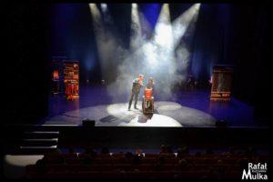 magiczne show na scenie centrum kultury