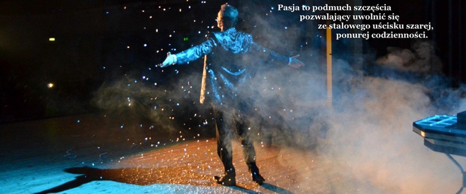 Iluzjonista Rafał Mulka - czarujemy z magiczną pasją